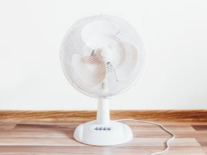 5 Benefits of sleeping with the fan turned ON