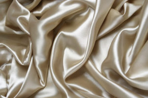 The Benefits of sleeping on silk